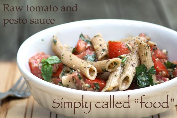 Raw tomato and pesto sauce