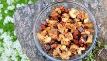 Trail mix with glazed nuts